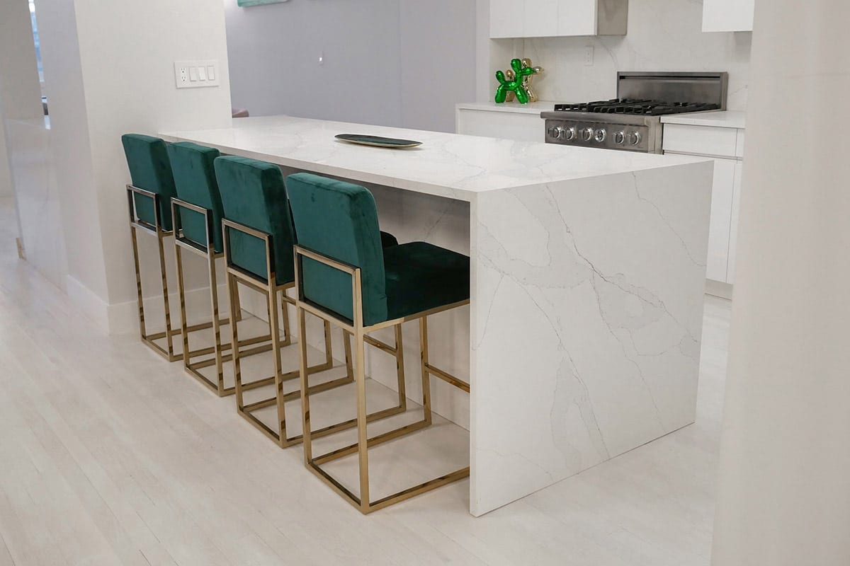 White Kitchen Peninsula with Counter Seating
